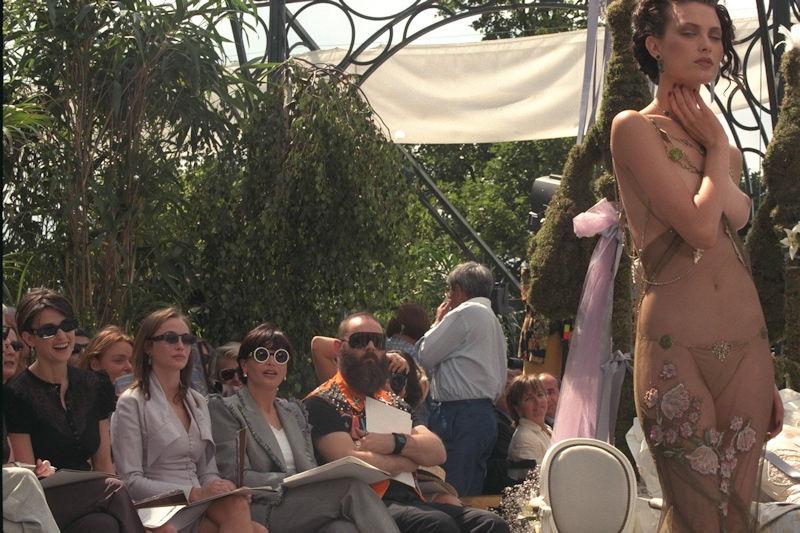 【パリコレ】エロすぎる世界一のファッションショー、おっぱいも最強やったwwwww(100枚)・43枚目