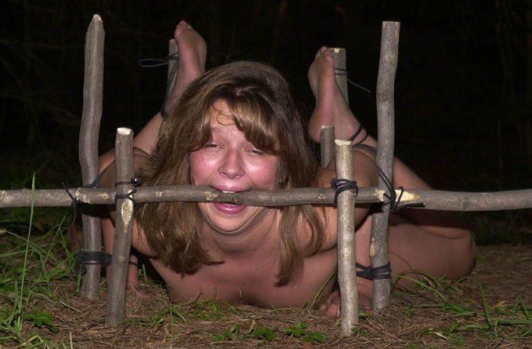 【性奴隷】ガチで飼われてしまった女さんたち…こんな扱いあるの??(エロ画像)・12枚目