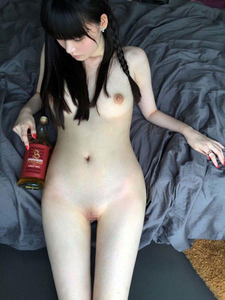中国人ヌードモデルがガチで「広瀬すず」に激似なんやがwwwwww(エロ画像)・27枚目