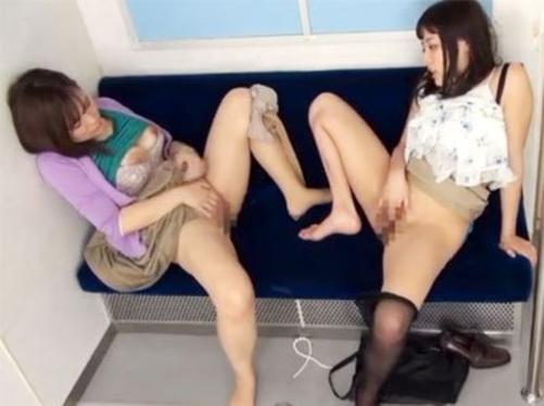 【エロ画像】お友達と相互オナニーしてる女ってなんなの?wwwwww・31枚目