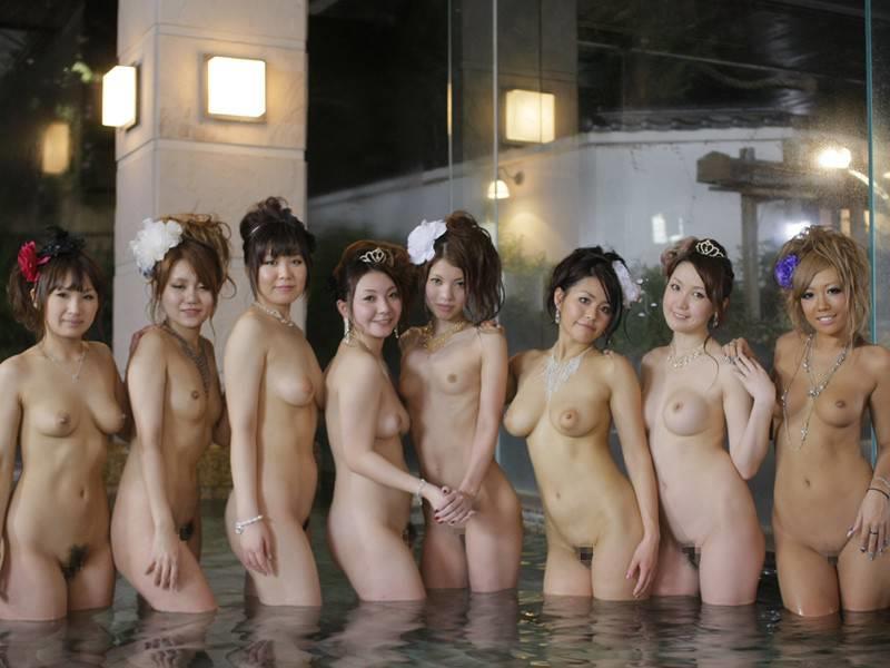 この露天風呂…少し覗いたら勃起不可避ですww(画像32枚)・7枚目