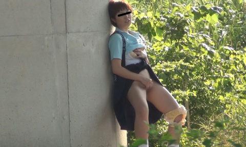【JK盗撮】学校内にカメラを仕込まれた女の子たち、着替えをバッチリ撮られる・・・(GIFあり)・2枚目