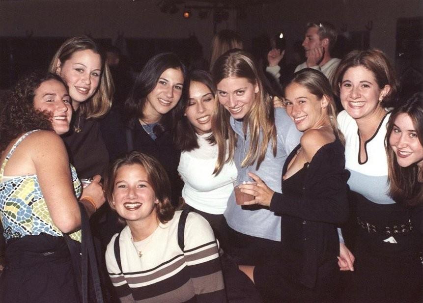 【乳首ポロリ】B地区をポロッちゃった女性たちをご覧くださいwwwwww(136枚)・7枚目