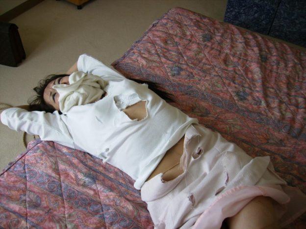 【ガチレイプ】これが本物の犯されてる女のエロ画像です・・・・・(画像あり)・31枚目