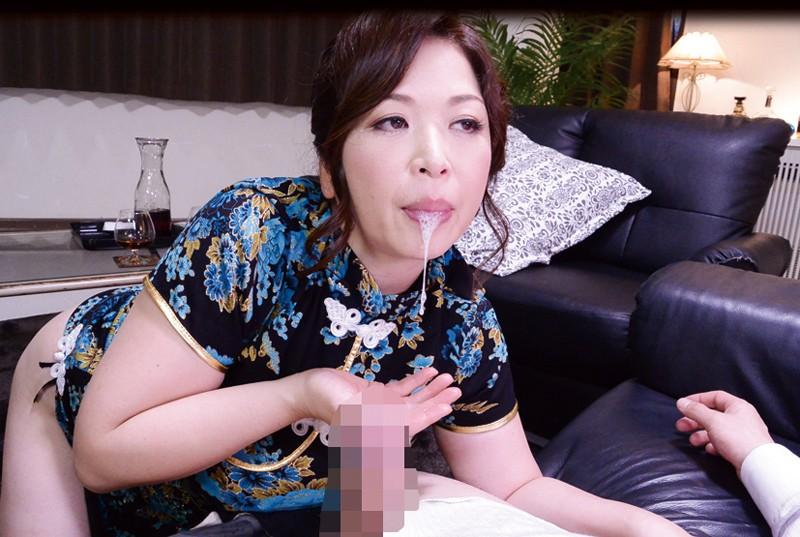【中国エロ】美少女揃いの少数民族、衣装がエロすぎて話題にwwwwwwwww(画像あり)・36枚目