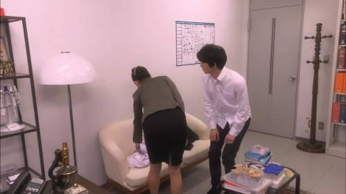 """橋本マナミさん、""""乳首""""を披露するも話題にならずスルーされるwwwwwwww(エロ画像)・16枚目"""