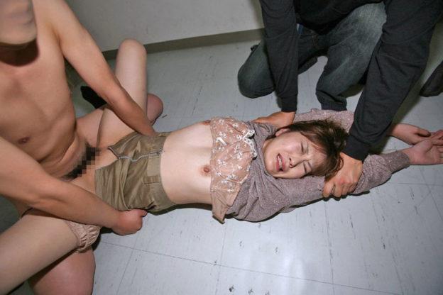 【ガチレイプ】これが本物の犯されてる女のエロ画像です・・・・・(画像あり)・38枚目
