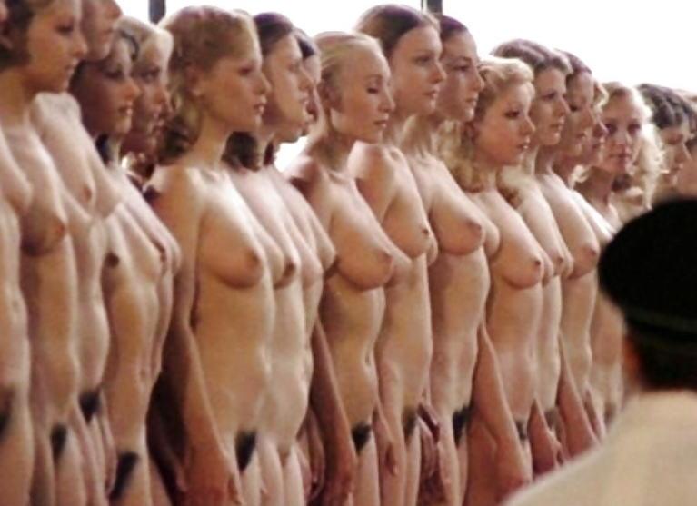 女性刑務所では「マンコの中」までチェックされるって噂、本当やったwwwww(エロ画像)・3枚目