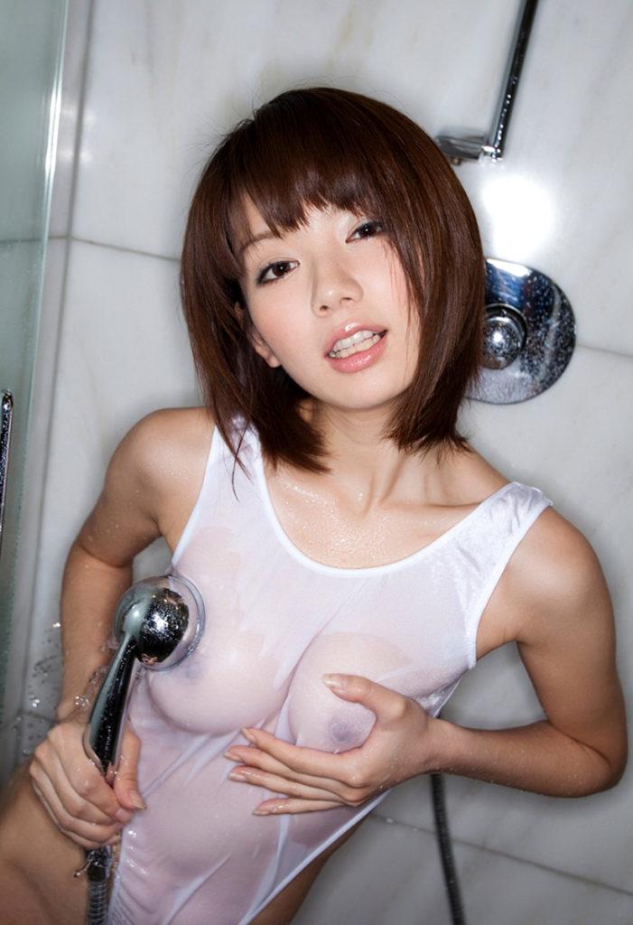 透け乳首だけじゃなく色々と透けてしまった女さんのエロ画像まとめwwwwww(51枚)・34枚目