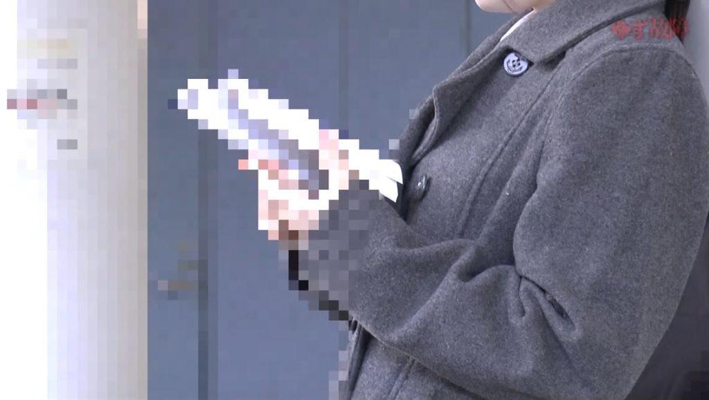 【ガチ痴漢】清楚なJKさん痴漢されトイレでヤラれるヤバい映像。。。(動画)・6枚目