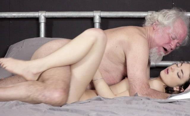 【近親相姦】これヤバくないか…身内でセックスしてるヤツら・・・・・48枚目