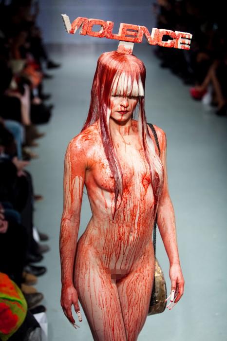 """ファッションショーで""""マンコ""""丸出しってホンマにあるん?wwwww(画像あり)・10枚目"""