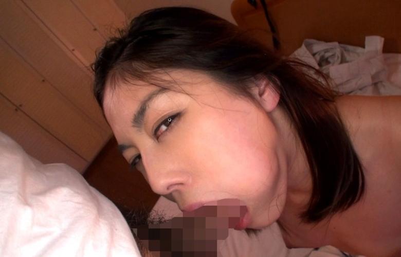 「フェラチオ」する時に睨んでくる女に興奮するんやが異常なんか?wwwww(エロ画像)・2枚目