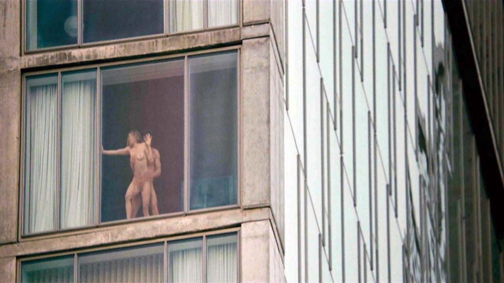 【盗撮】お向かいの家の窓際でセックスしてるカップル撮影したったwwwww・23枚目