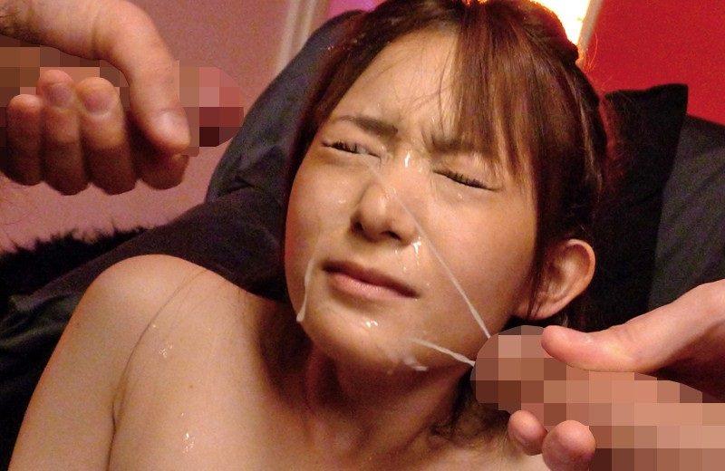 【顔射】大量ザーメンが女に向かって発射された瞬間がこちらwwwww・25枚目