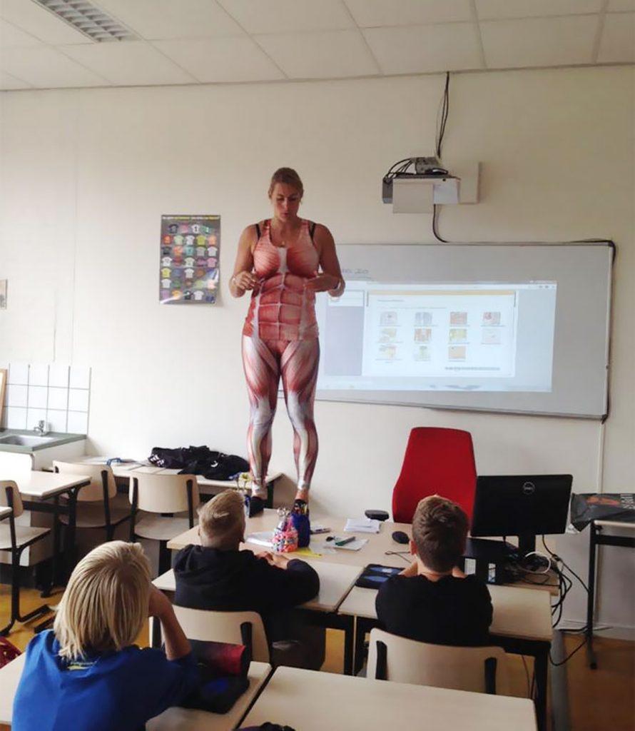【ガチ女教師】クッソエロい学校の先生が撮影される。。・10枚目