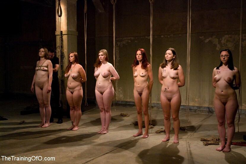 拉致された女性たちの末路…競り落とされたらもっと地獄が待ってる(画像あり)・22枚目