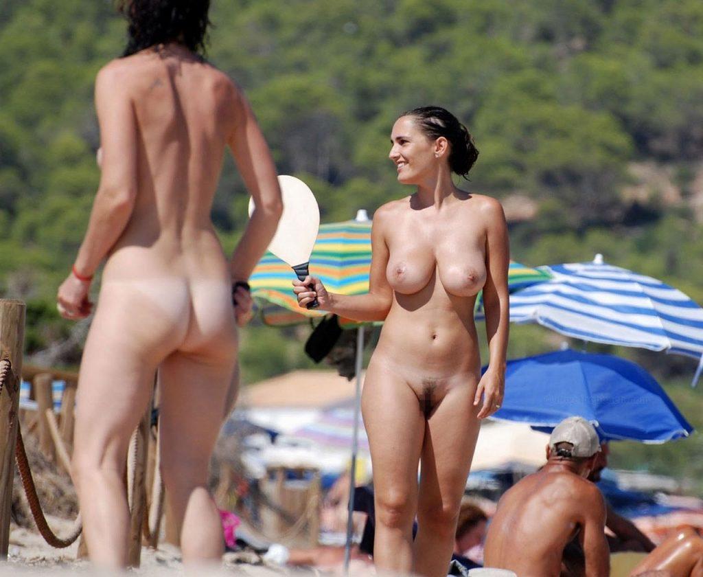 """""""神乳""""が現れたヌーディストビーチがこちらです。ぐうシコwwwww(エロ画像)・28枚目"""
