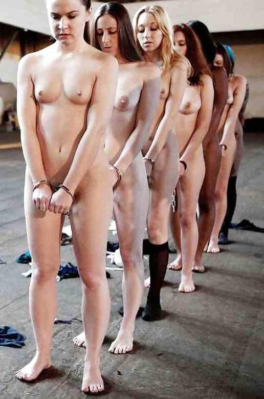 拉致された女性たちの末路…競り落とされたらもっと地獄が待ってる(画像あり)・33枚目