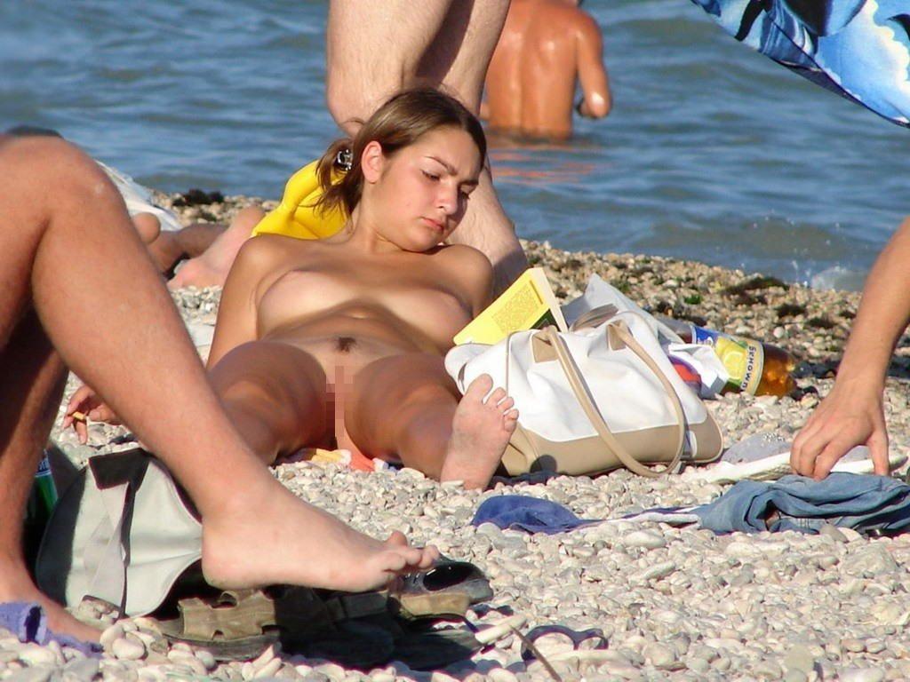 """""""神乳""""が現れたヌーディストビーチがこちらです。ぐうシコwwwww(エロ画像)・35枚目"""