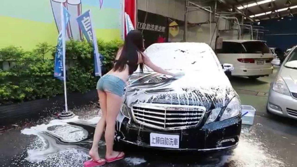 【エロ画像】身体で車を洗う「女体洗車」とかいうサービス。。・23枚目