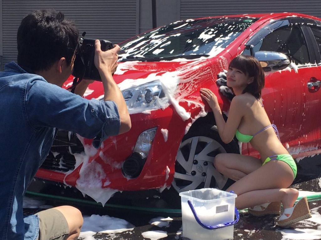 【エロ画像】身体で車を洗う「女体洗車」とかいうサービス。。・29枚目