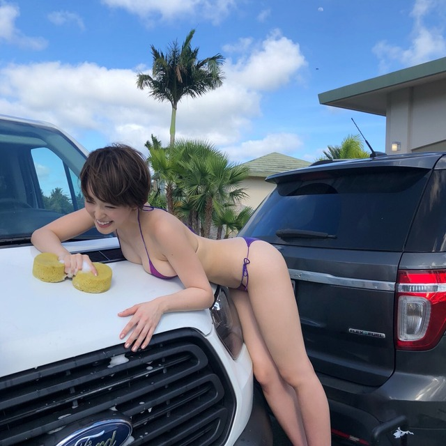 【エロ画像】身体で車を洗う「女体洗車」とかいうサービス。。・30枚目