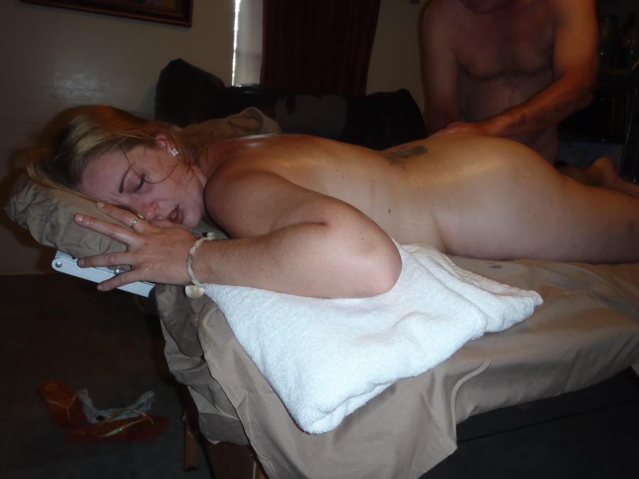 【尻フェチ】海外女子のブリッブリの尻をマッサージする羨ましすぎる画像wwwww・4枚目