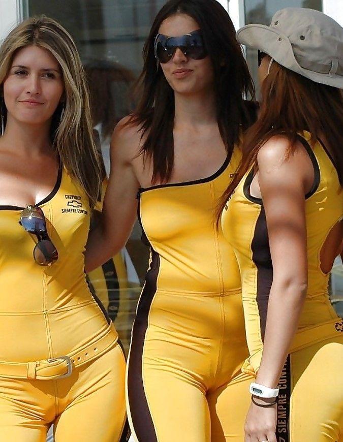 レースクイーンってエロく見せたら「勝ち!」みたいなとこあるよな?wwwww(エロ画像)・33枚目