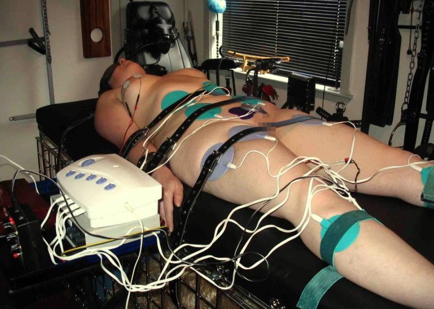 SM上級者のまんさん、ついに電流責めに手を出してしまう・・・(エロ画像)・8枚目