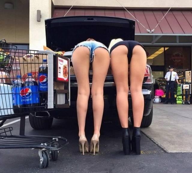 【人妻】スーパーに出没した淫乱すぎる女が撮影される・・・ヒドい。・6枚目
