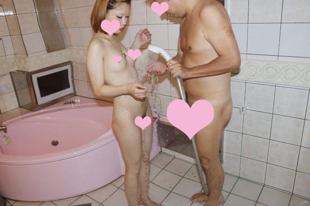 【円光AV】お金もらってセックスする制服女子さん、メチャクチャにされる。。・17枚目