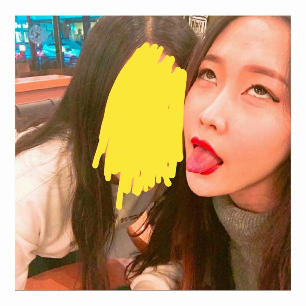 韓国女子の間で流行してる「アへ顔選手権」完全に狂っとるwwwwww・18枚目