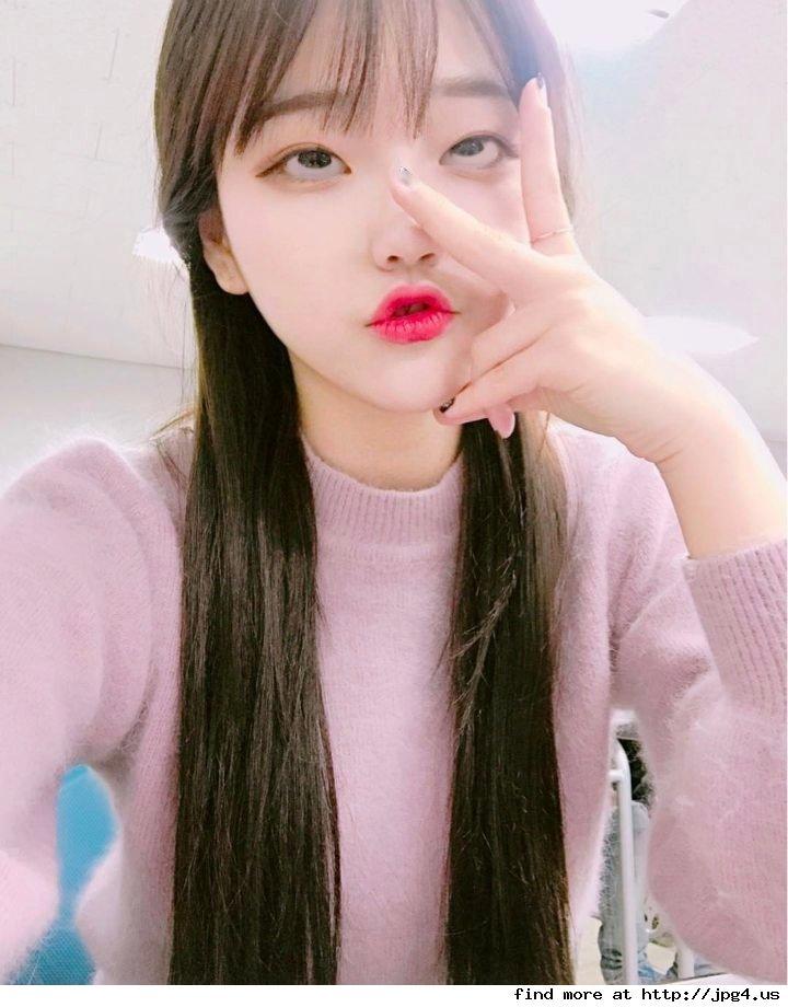 韓国女子の間で流行してる「アへ顔選手権」完全に狂っとるwwwwww・20枚目