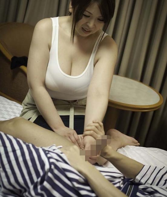 【エロ画像】男が派遣型マッサージに抱くイメージってこれだよな?wwwwww・9枚目