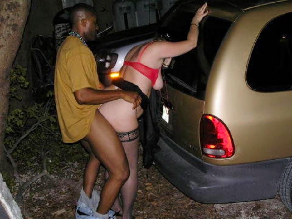 路上売春婦のまんさん、お構いなく野外セックスして撮影されるwwwwww・14枚目