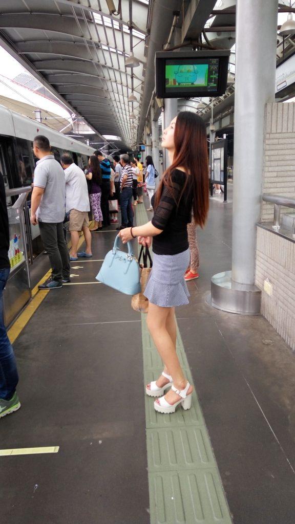 【パンチラ盗撮】中国や韓国で撮影された女のパンティーwwwwww・29枚目