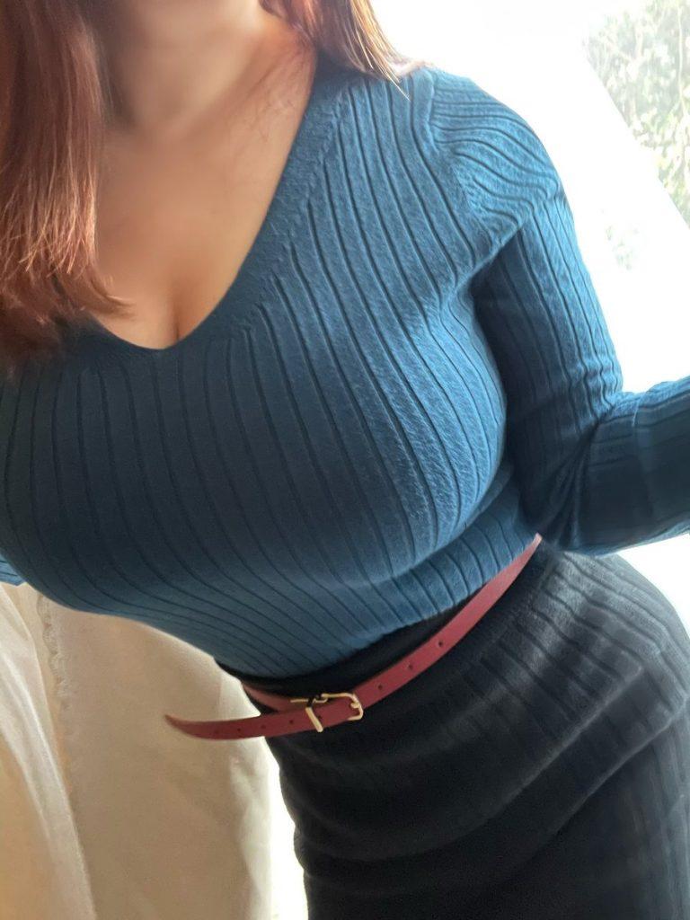 着衣巨乳女子さん、自分の魅力を分かってらっしゃるwwwwwww・22枚目
