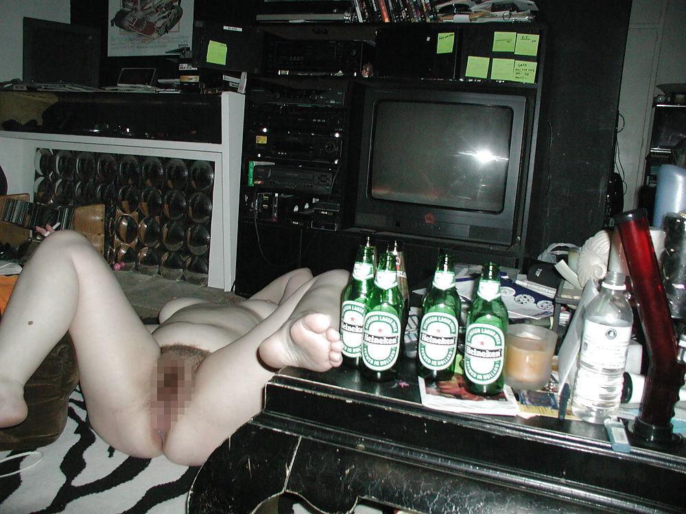 """【泥酔ネキ】酒飲みすぎて完全に意識なくなっちゃってる""""泥酔外人ネキ""""のエロ画像・15枚目"""