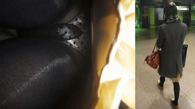 """【水玉盗撮】全男子が一度は憧れた""""水玉パンティ""""、逆さ撮りで盗撮されまくる・・・・【画像あり】・7枚目"""