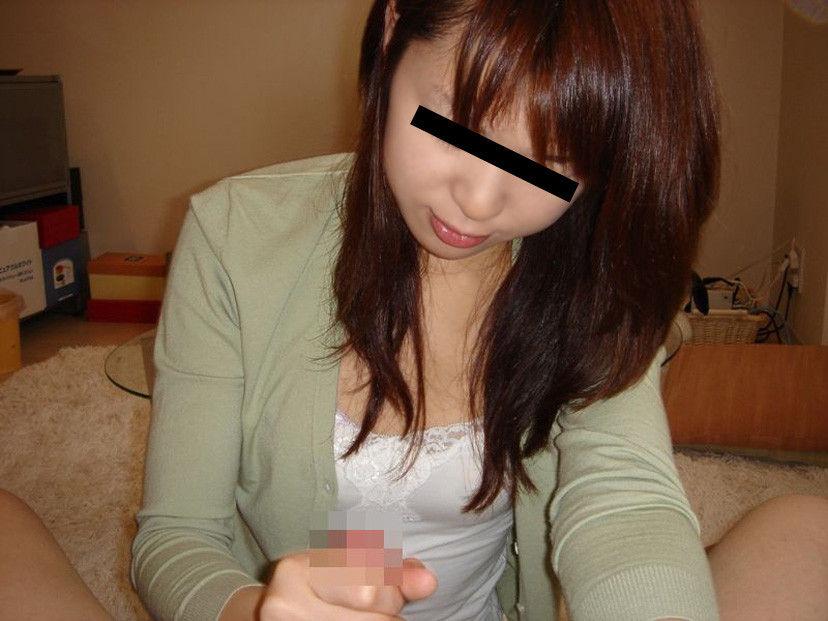 【手コキ彼女】生理の時の緊急避難でコレしてくれる彼女、超有能wwwwwww(画像あり)・23枚目
